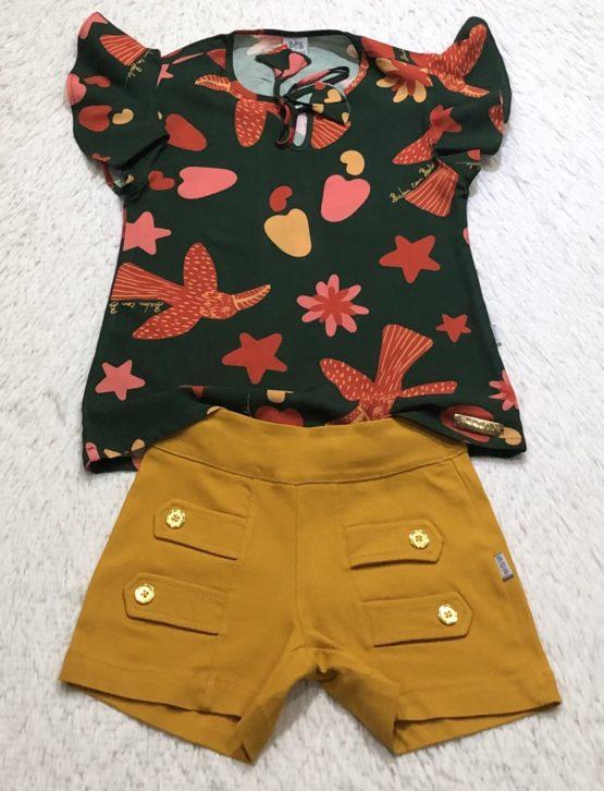 Conjunto de Blusa e Short